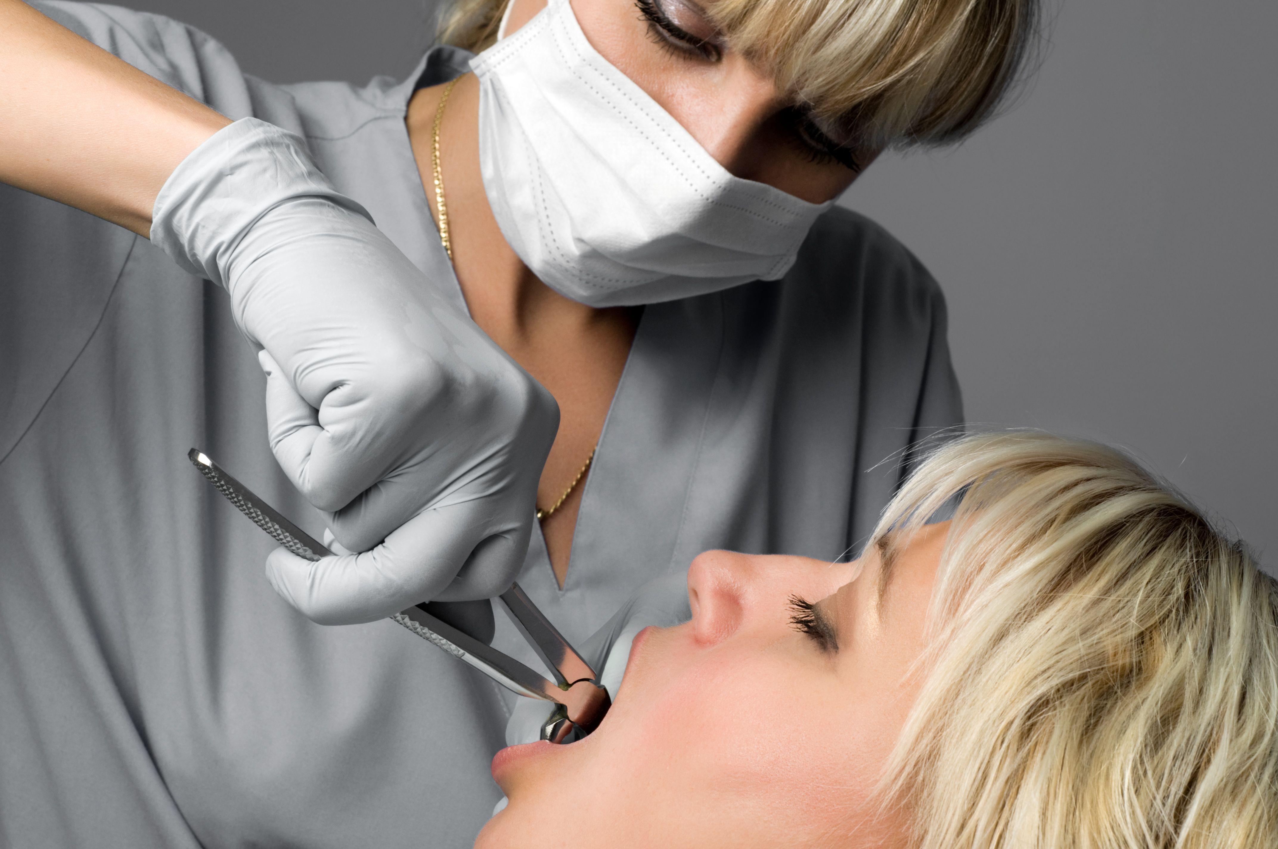 Как сделать укол в зуб
